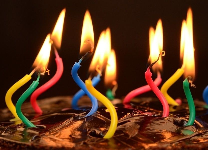 Funny Interesting Twisted Birthday Candles With Red / Yellow / Green / Blue Color